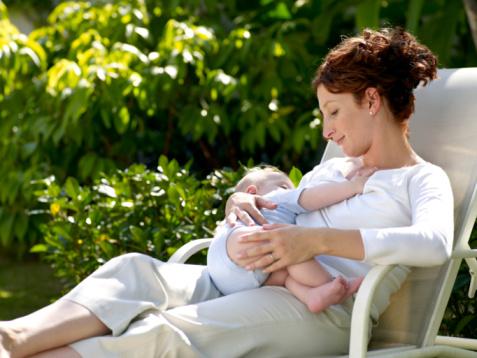Грудное вскармливание полезно для мам